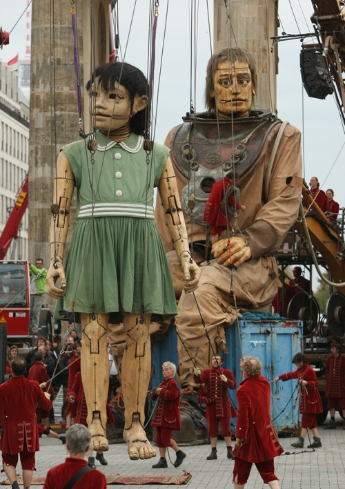 Giant Marionettes
